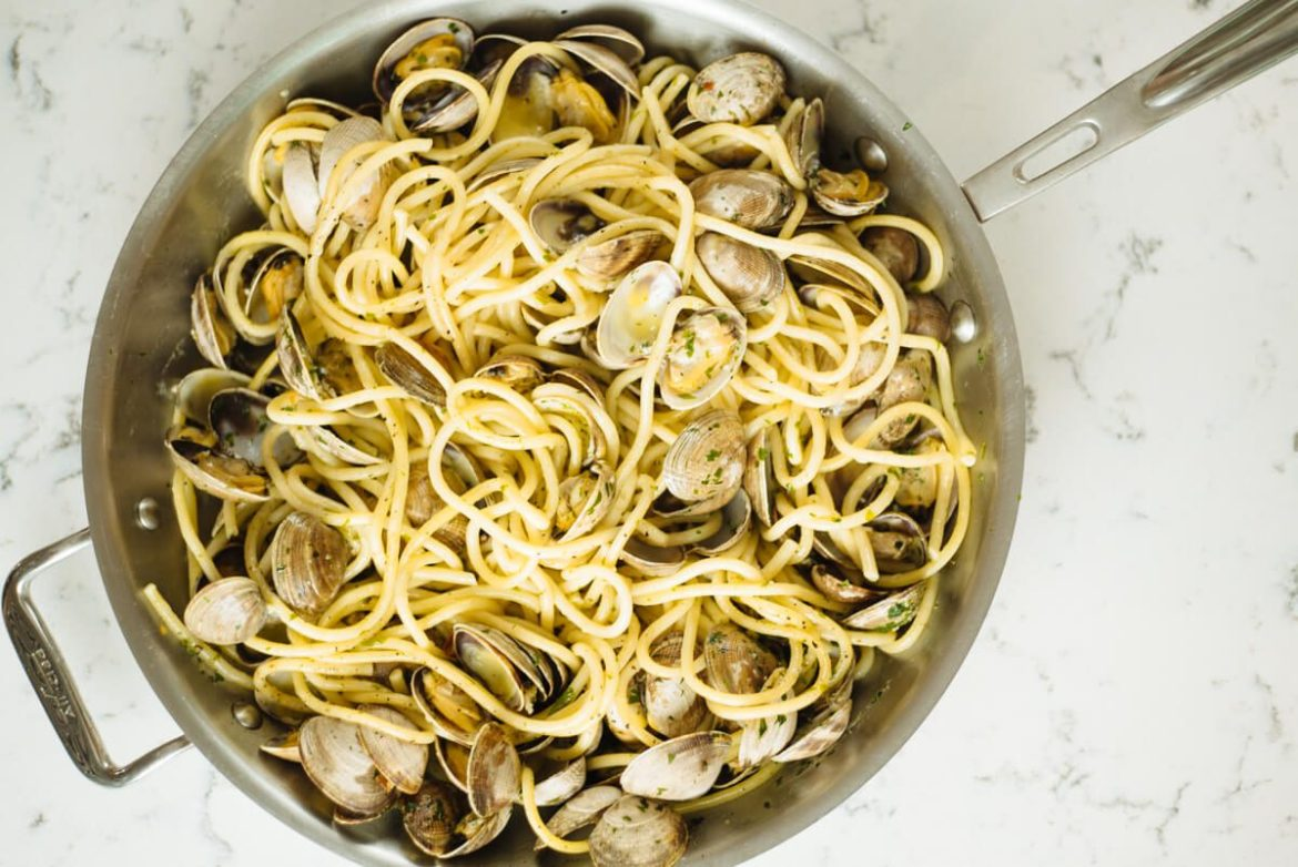 Finished pasta with clams or spaghetti alle vongole