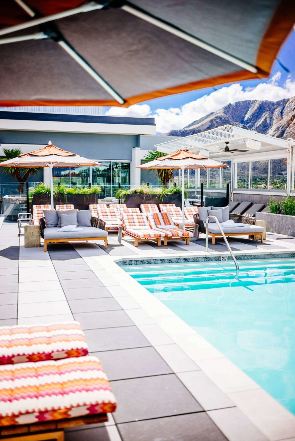 The Kimpton Rowan Hotel in Palm Springs has one of the best rooftop pools and patios in Palm Springs, it's a dessert retreat, The Taste Edit