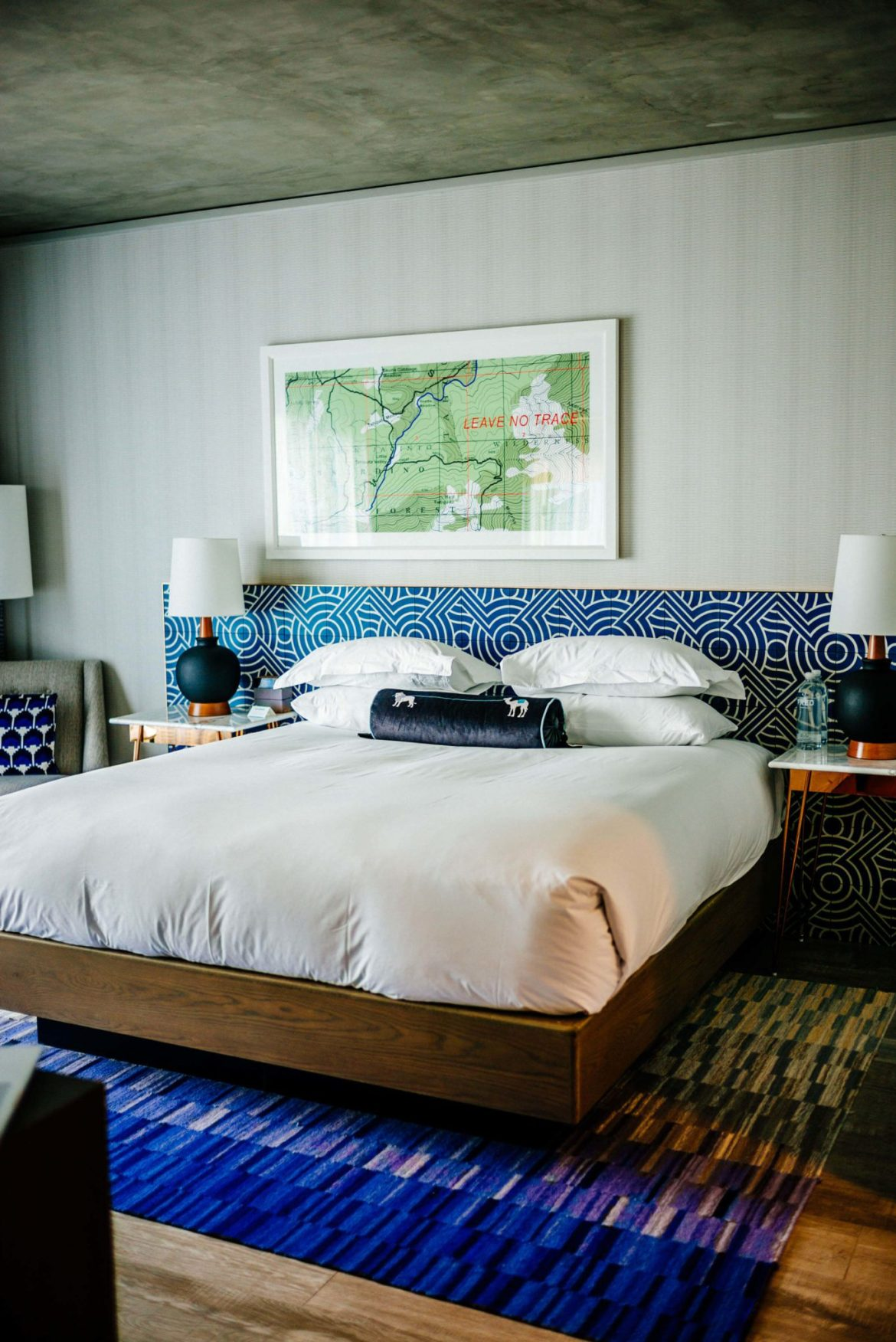 We love the modern and large rooms at the newest hotels in Palm Springs, the Kimpton Rowan Hotel in Palm Springs is a dessert retreat, The Taste Edit