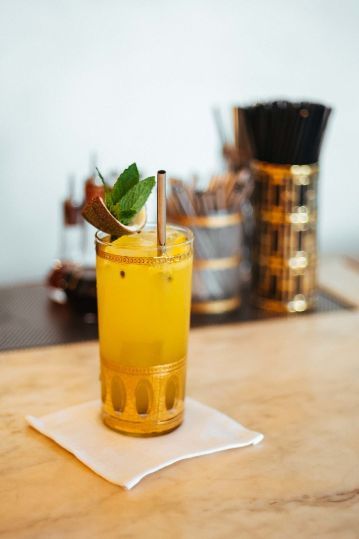 Order the best cocktails in Hollywood at the Bar at Gwenin Los Angeles, owned by Celebrity Chef Curtis Stone.