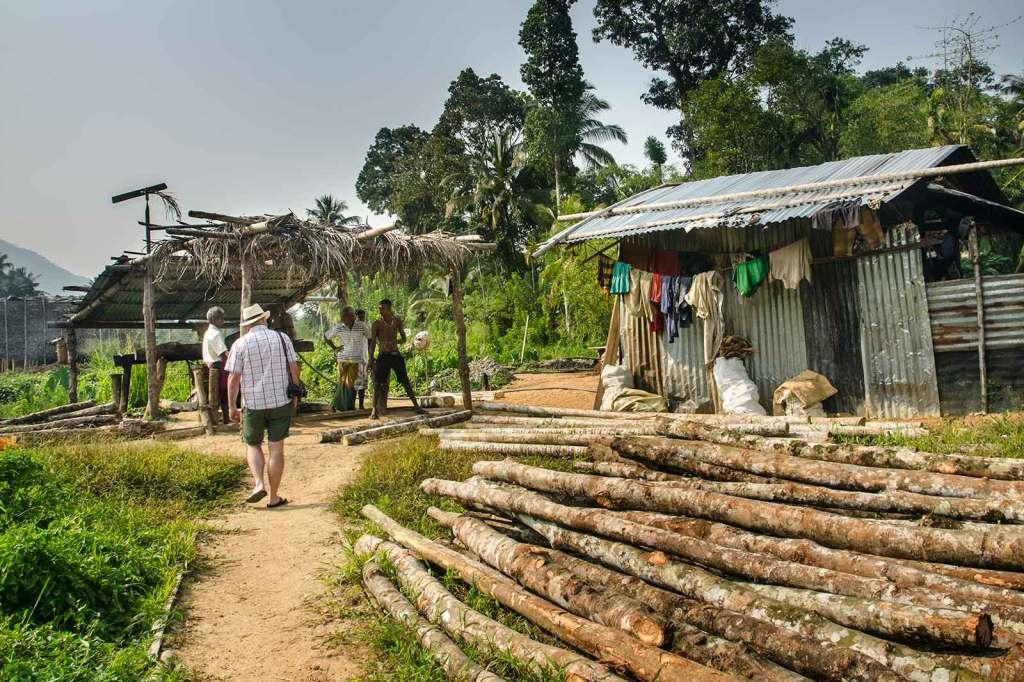 Kopalnia kamieni szlachetnych na Sri lance