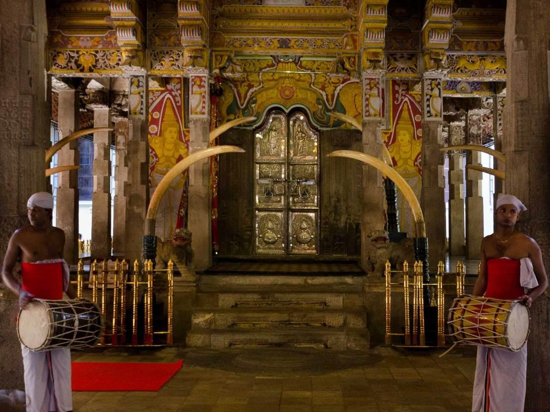 Świątynia Zęba w Kandy, Diggey