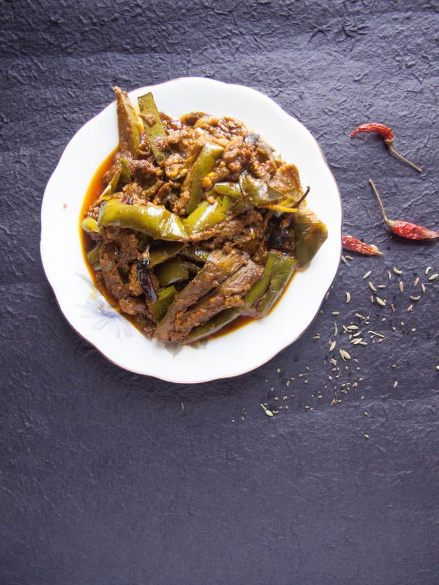 Hare Baingan Ka Jhukka Recipe - Green Eggplant Recipe