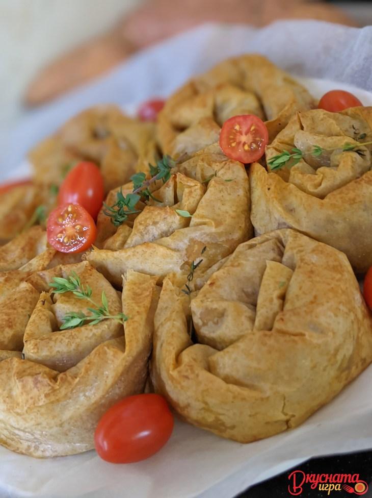 Веган банички със сладки картофи, гъби, орехи и прясна мащерка - Вкусната Игра