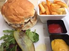 Amante Beach Club Ibiza burger