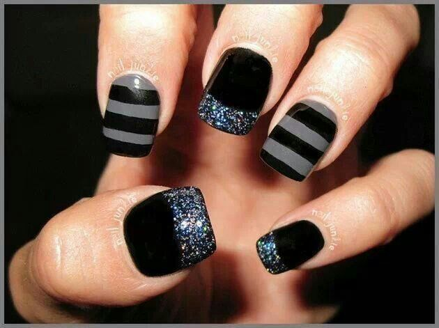 sparkly bling nails thetattooedgeisha