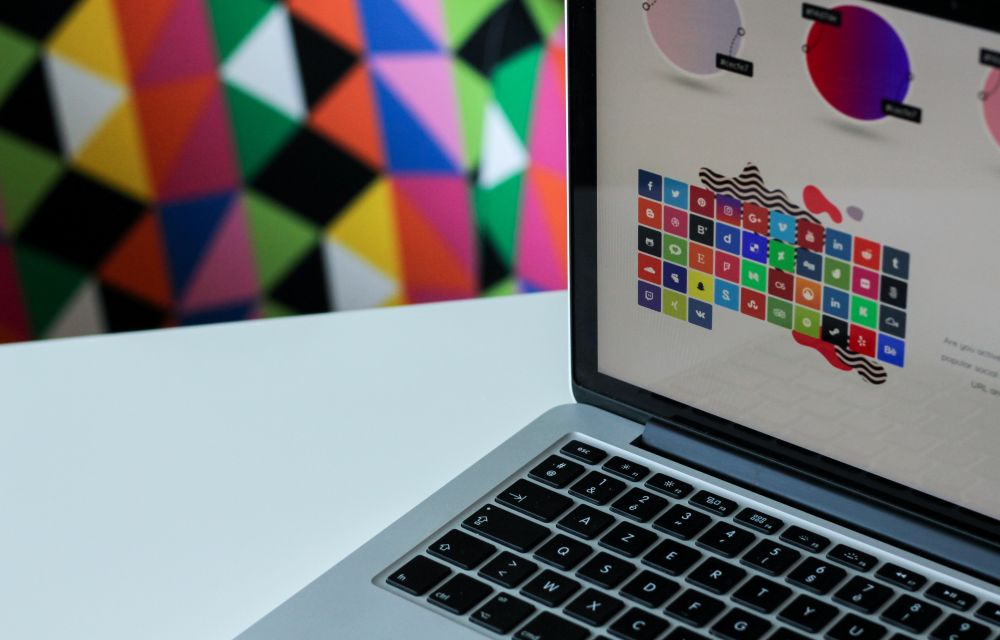 Top 3 Tips For Designing A Logo For Your Tech Business