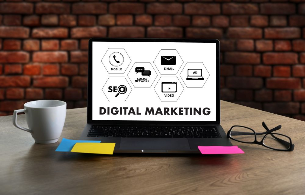 How You Can Use Offline Tools to Strengthen Your Online Marketing