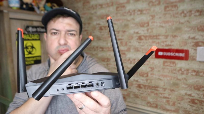 which way point router antenna