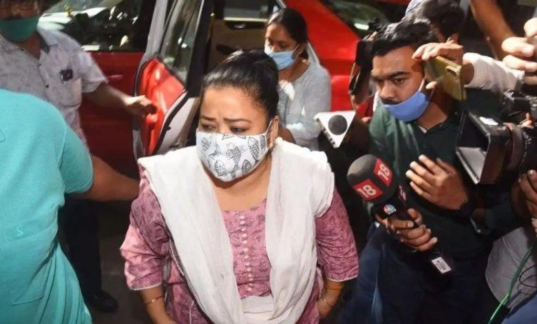 कॉमेडियन भारती सिंह गिरफ्तार : NCB की छापेमारी में घर से मिला था गांजा, पति हर्ष से चल रही पूछताछ – Satya khabar india | Hindi News | न्यूज़ इन हिंदी | Breaking News in Hindi