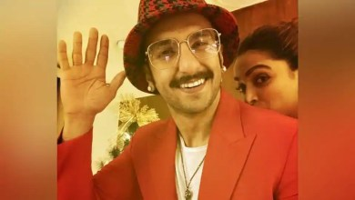 Ranveer Singh's 'little elf' Deepika Padukone photobombs him in Christmas picture – bollywood