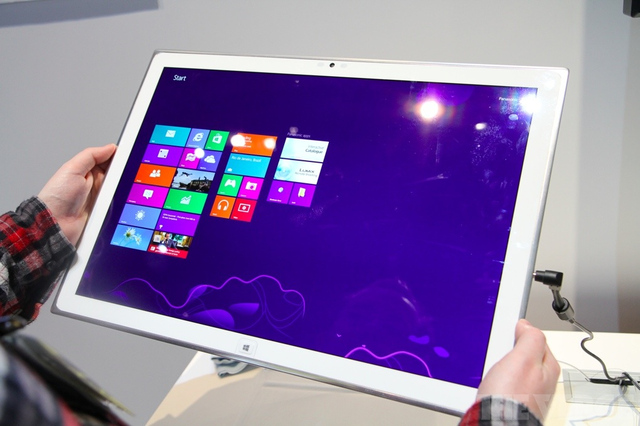 Panasonic Shows-Off 20-inch Windows 8 Tablet, Brilliant Resolution and Display