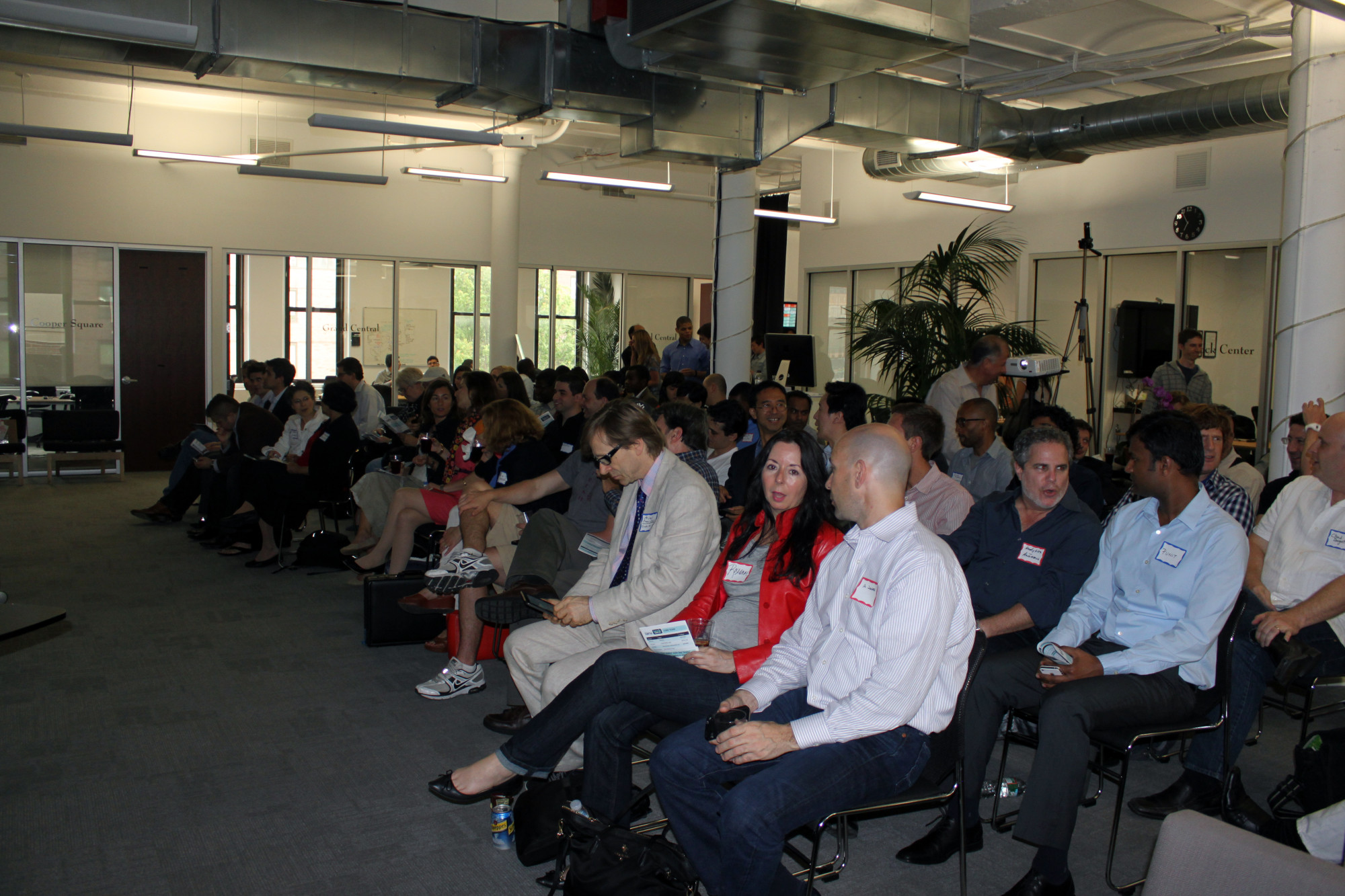 1 Week Ago, TechSeri.es brought together 6 (co)founders, 1 celebrity and over 150 people