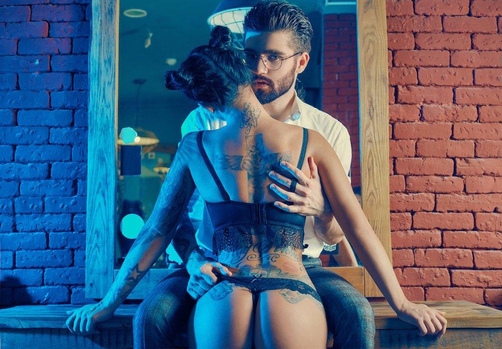 Night Club Phone Sex – Exploits in a Sex Club: Part 1
