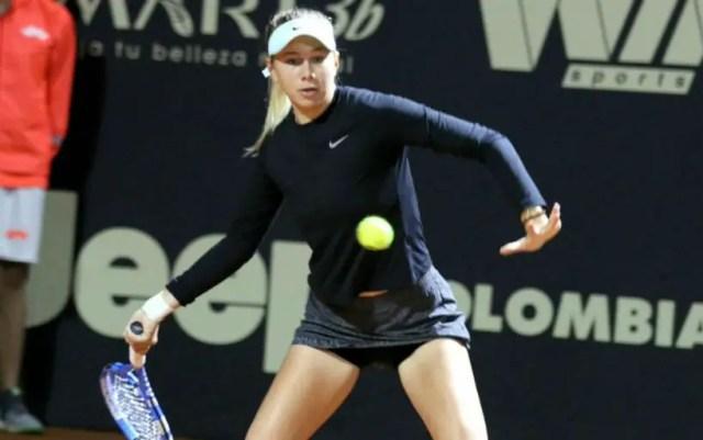Bogota. Amanda Anisimova held in the quarter finals