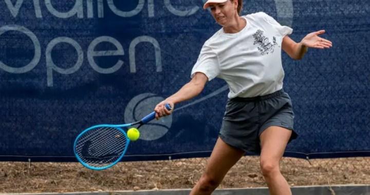 Maria Sharapova won the opening match of the tournament Mallorca Open