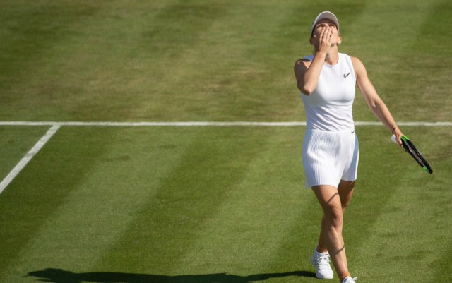 London. Simona Halep gave Victoria Azarenka only four games