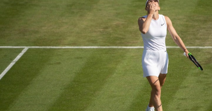 London. Simona Halep gave Victoria Azarenka only four games