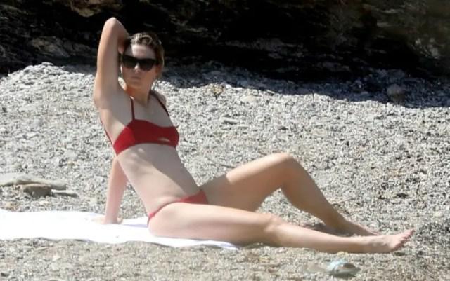 Maria Sharapova shared bikini photos