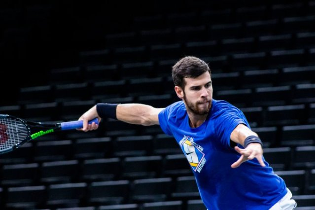 Who is Karen Khachanov's coach?
