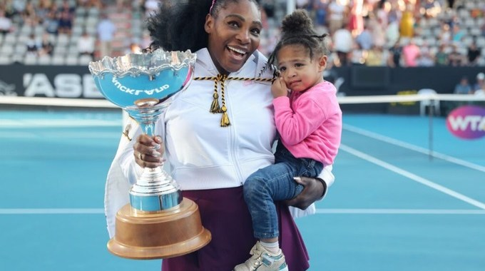 Serena Williams won the first trophy after the birth of her daughter.