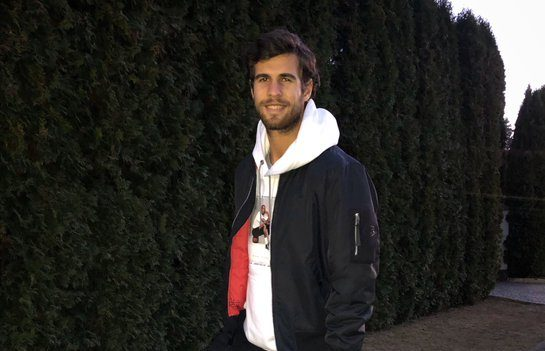 Karen Khachanov spoke about his favorite TV shows, a dish and friends on Tour