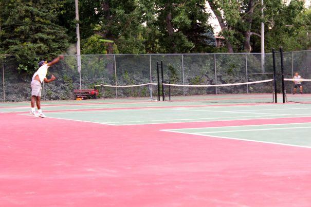 tennis-tourist-stanley-park-tennis-courts-tennis-players-calgary-teri-church