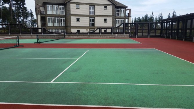 tennis-tourist-bear-mountain-tennis-court-and-condos-teri-church