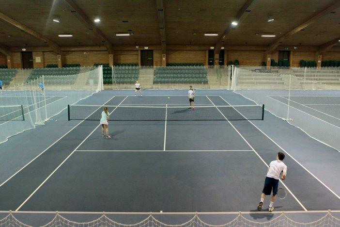 tennis-tourist-gleneagles-hotel-indoor-courts-courtesy-gleneagles