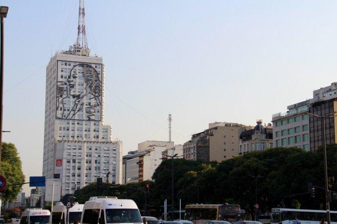 tennis-tourist-buenos-aires-argentina-evita-building-teri-church
