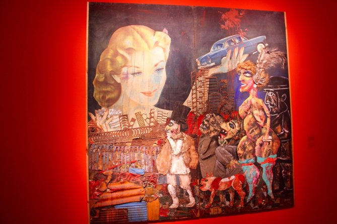 tennis-tourist-buenos-aires-argentina-art-gallery-painting-evita-teri-church