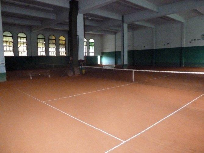 tennis-tourist-buenos-aires-argentina-evita-palermo-costa-rica-tennis-club-courts-teri-church