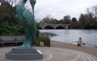 tennis-tourist-serpentine-statue-hydepark-london-england-teri-church