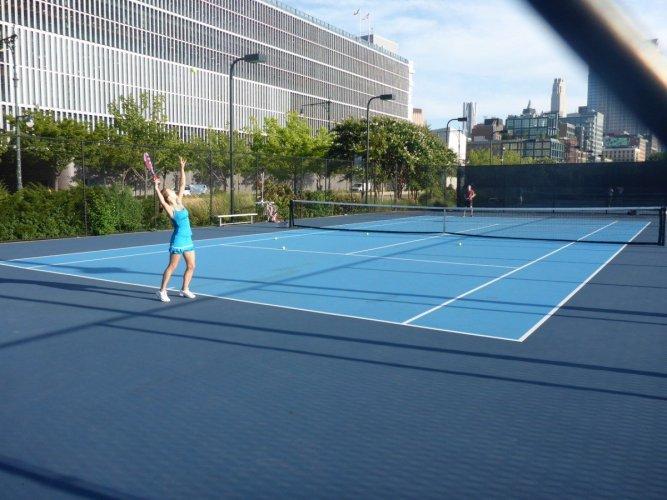 tennis-tourist-new-york-hudson-river-park-tennis-courts-player-teri-church