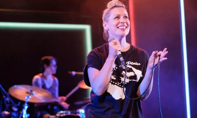 """Traverse Theatre's """"What Girls Are Made Of,"""" Edinburgh, Review: An Irresistible Tale Of Britpop Fame And Misfortune"""