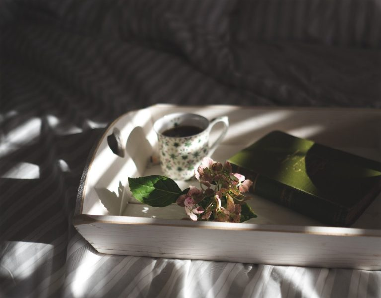Proverbs 31 Mornings: 6 Ways to Start Your Morning as a Woman of God