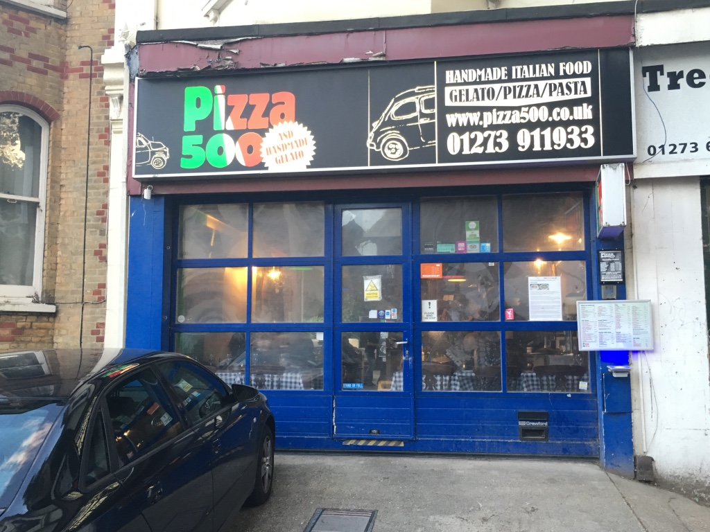 Pizza 500 exterior
