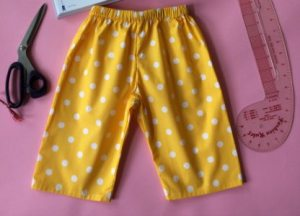 Easy peasy Pyjama Trousers @ The Thrifty Stitcher
