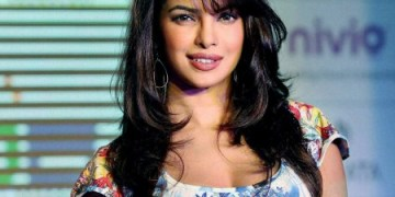 Top 10 Sexiest And Hottest Bollywood Actresses In India