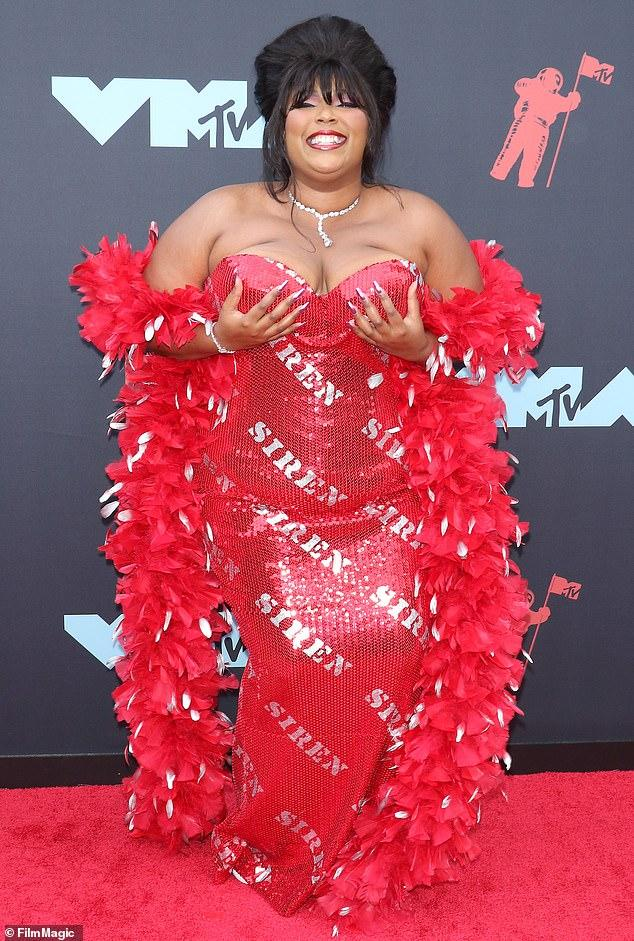 """Lizzo"" revealed the acclaim he received from ""Rihanna."" Also indicated possible ""collaboration"" between the two !!!"