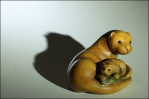 Otter carving