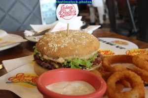 johnny rockets signature rocket burger