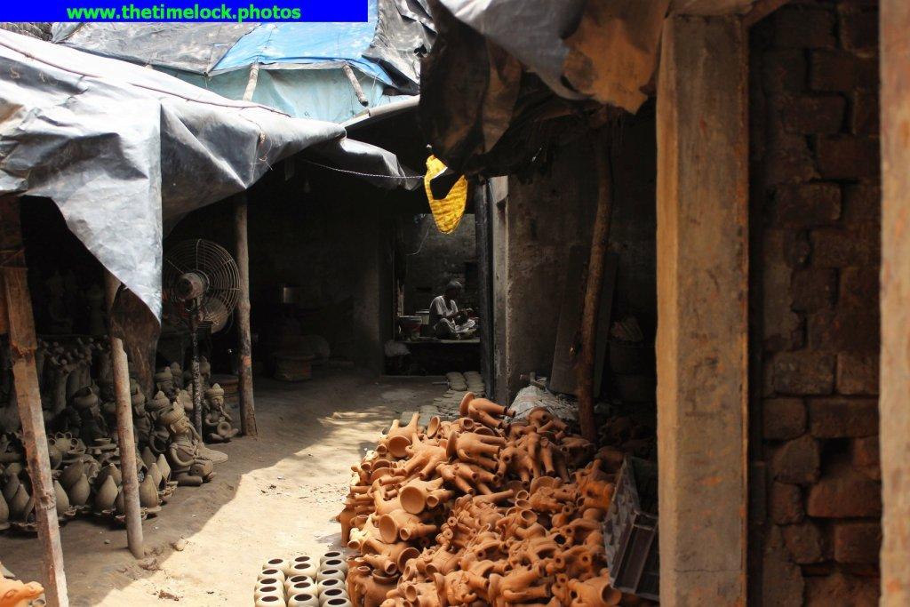 workers in Kumbhar wali gali