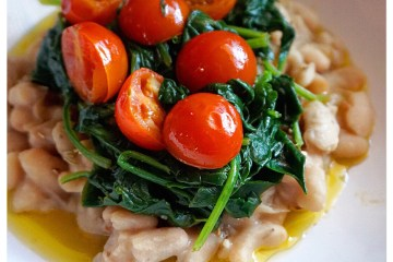 Cannellini beans with spinach and cherry tomatoes