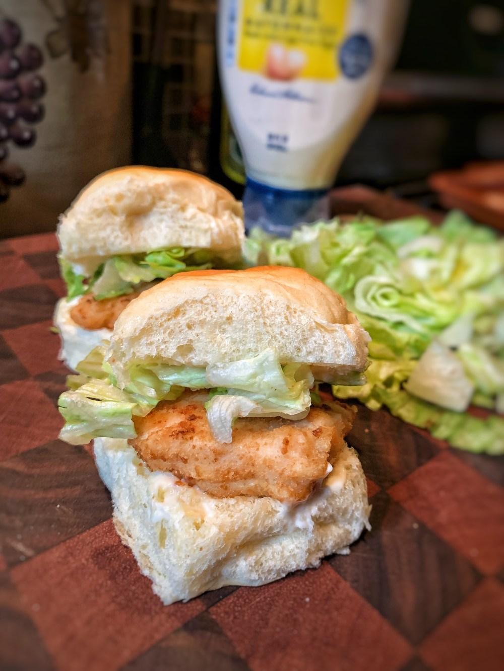 picture of two chicken slider sandwiches