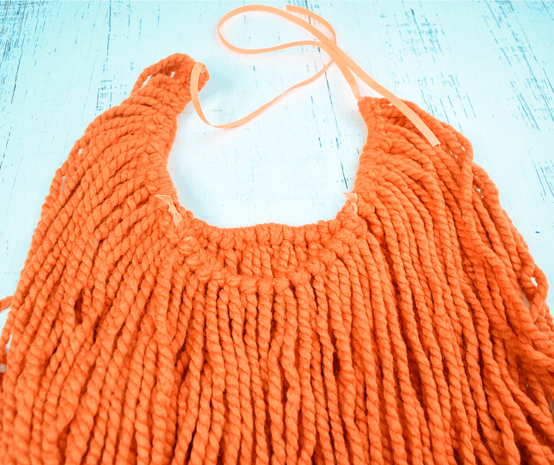 The finished back view of the yarn beard.