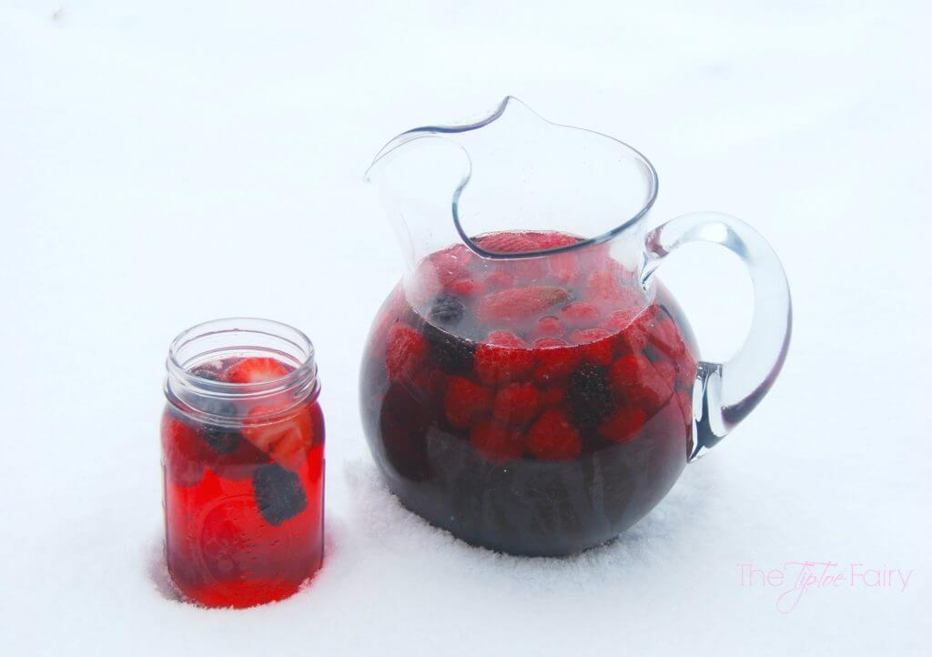 Triple Berry Capri Sun-gria - A delicious sangria recipe full of berries | The TipToe Fairy