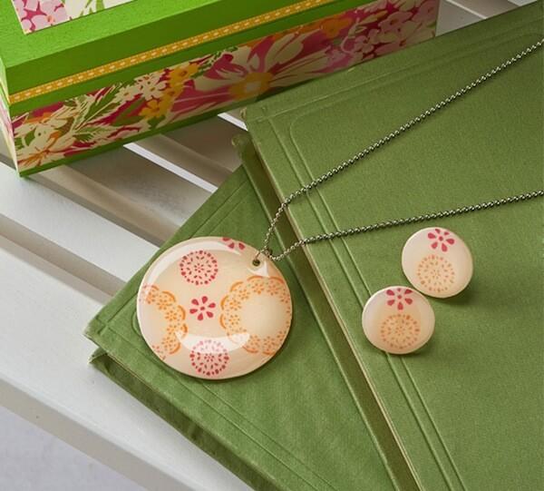 Fair-isle-DIY-necklace-and-earrings