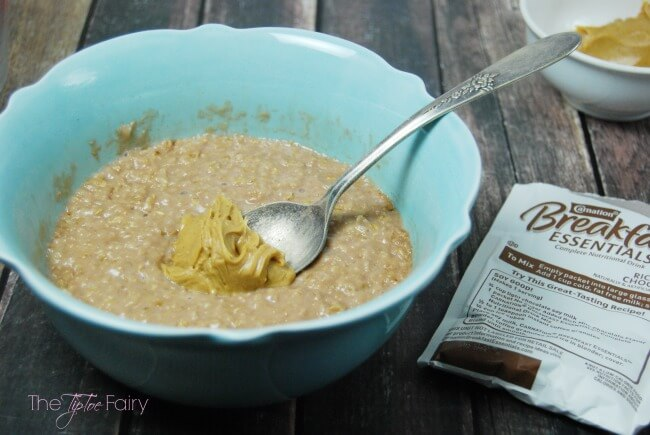 Chocolate Peanut Butter Oatmeal - a protein rich breakfast or snack your kids will love! With only 372 calories and less than 16 g of sugar! | The TipToe Fairy #50YearsofBreakfast #ad