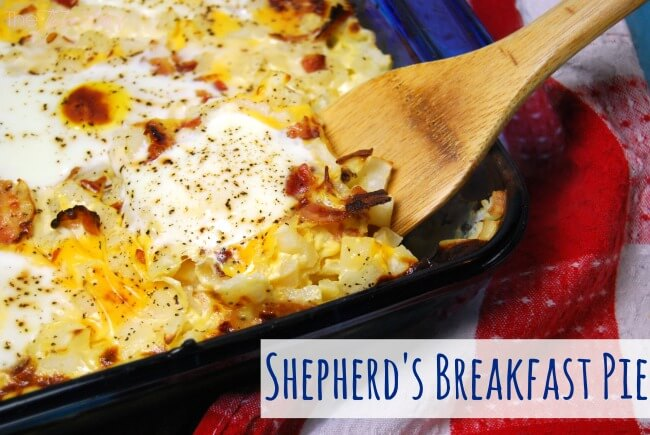 Breakfast Shepherd's Pie made with hash browns, bacon, VELVEETA® and eggs. Perfect for brunch or breakfast potluck. | The TipToe Fairy #ad